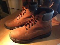 Aigle suede strong men boots
