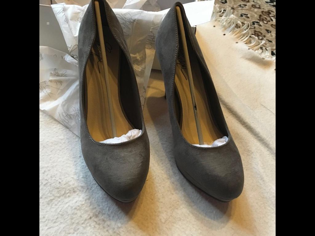 Brand new in box ladies heels shoes grey Sz 7/39 new £8