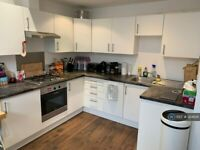 1 bedroom flat in Bernhard Baron House, London, E1 (1 bed) (#924826)