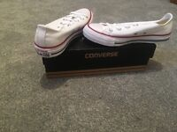 White All Star Converse UK 4