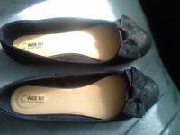 Ladies shoe's size 6
