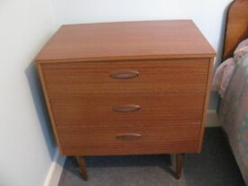 Bedside table/chest