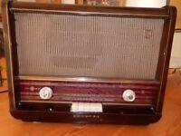 PHILIPS B3G 63A Vintage Valve Radio with BLUETOOTH