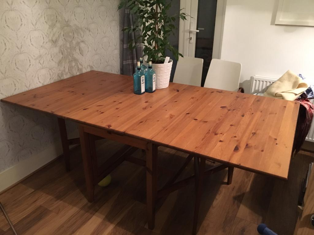 Extendable dining table Folds small seats 2-8 people