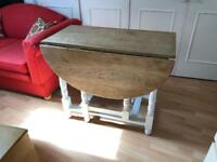 Beautiful drop leaf period chabby chic solid wood dining table