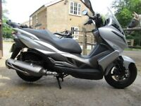 KAWASAKI J300 SCOOTER 2014/14 ONLY 4100 MILES 5 SERVICE STAMPS IN THE BOOK!