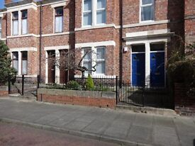 STUNNING 2 BEDROOM GROUND FLOOR FLAT EASTBOURNE AVENUE BENSHAM QUIET STREET SALTWELL PARK 100 METRES
