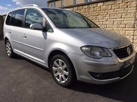 VW Touran 2,0TDI Sport. Low miles! Cambelt kit done. No DPF! Serviced recently. Full service history