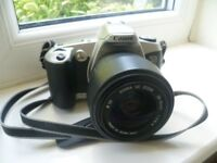 CANON EOS 500N 35MM SLR FILM CAMERA WITH SIGMA ZOOM LENS EF MOUNT