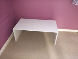 White gloss coffee table for sale.excellent condition