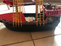 Playmobile pirate ship