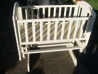Glider Crib (No Mattress)