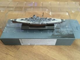 DeAgostini Atlas Edits Legendary Warships - Bismark & HMS Hood 1/1250 Scale VGC