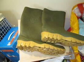 Dunlop wellingtons