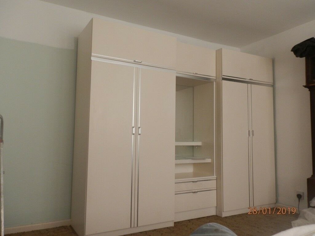White Bedroom Set With Dressing Table: White Bedroom Furniture Set. 2 Wardrobes, Dressing Table