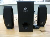 Logitech S220 2.1 Speakers Black - Good condition