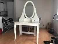 Dressing table, excellent condition. Less than a year old
