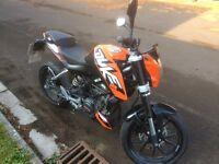 2014 KTM DUKE 125cc 13 MONTHS MOT, ONLY 900 MILES ON CLOCK