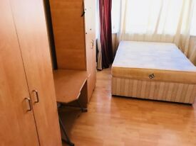 large double room to let in ilford