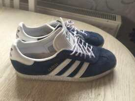 Adidas shoes size6