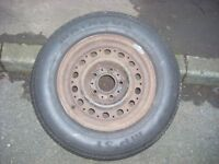 BMW WHEEL AND TYRE 195/70 14 OFF OLD 5 SERIES . £20