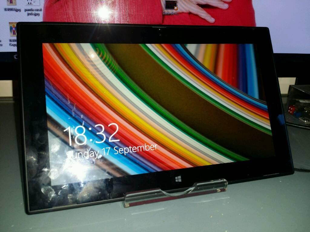 "Nokia 2520, 10"" full HD tablet 32gb Windows 10"