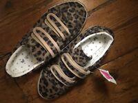 Brand New Kids size 2 Leopard Velcro Straps Shoes