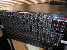 Roland M16E 16 Track Stereo Rackmount Mixer.