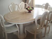 Stunning table and 6 chairs