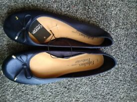 Ladies blue flat shoes