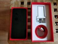 Oneplus 5T smartphone less than a week old. Brand new in box