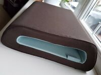 Belkin Cushtop Laptop Cushion Rest in brown