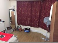 Large Double Bedroom. All Bills Included.7 min walk from Barking Station.New House for Professionals