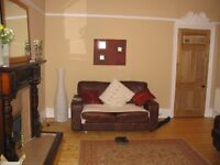 Very Large 2 Bed First Floor Furnished Flat near Queen's Park, Glasgow