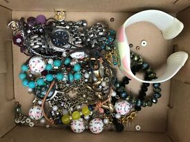 Box of broken jewellery and watches.