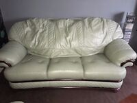 Sofa and two armchairs leather very good condition