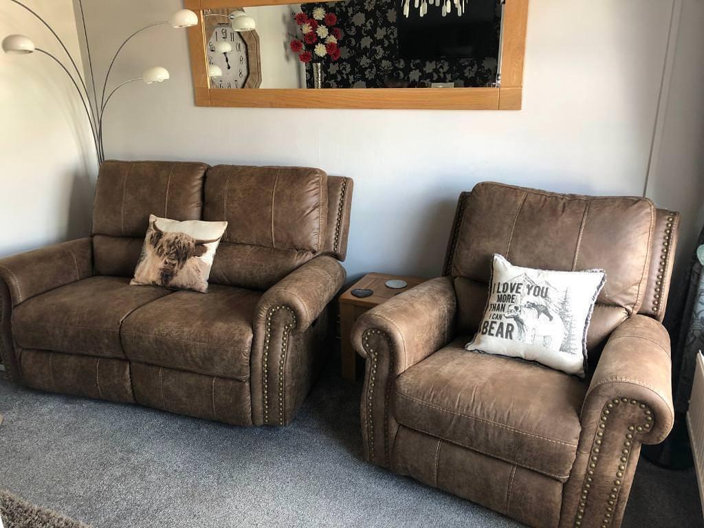 Stunning Electric Reclining Savannah Two Seater Sofa Armchair Like New Oak Furniture Land