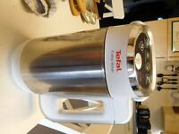Tefal Automatic Soup and Compote Maker plus 2 soup cook books