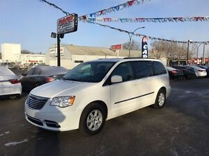 2012 Chrysler Town & Country Touring DVD, Navi,Back up Camera