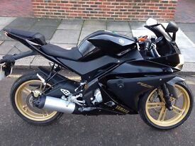 Yamaha YZF R-125 in Black Immaculate condition ONLY 3113 MILES on clock
