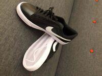 Nike Trainers - Tennis Classics AC leather - Size 9 UK