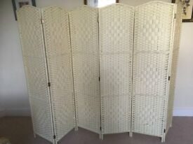 Cream Hartleys Solid Weave Hand Made Wicker Room Divider