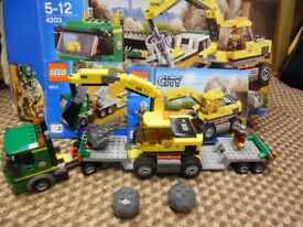 Lego City Digger 4203 - Excavator - Mint Condition with box and instructions