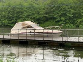 Boat Fairline Carrera 24