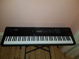 Yamaha SO8 for sale. Very good condition, never gigged. Comes with stand and sustain pedal.