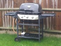 Gas barbeque with gas hob also