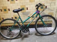 Apollo hybrid bike + accessories