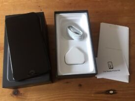 APPLE IPHONE 7 PLUS 128GB UNLOCKED COME WITH APPLE CHARGER ALL BOXED PLEASE CALL 07707119599