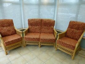 CONSERVATORY SUITE + FOOTSTOOL - IMMACULATE