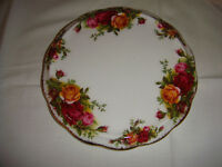 Royal Albert. Old Country Roses Teapot Stand.